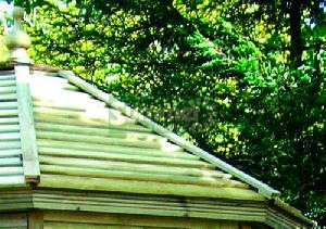 SUMMERHOUSES xx - Pressure treated deal slatted roof