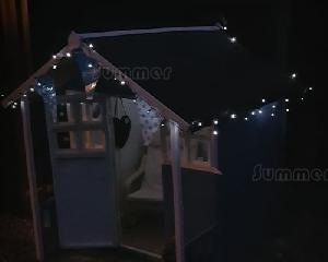 LOG CABINS - Solar powered string lights