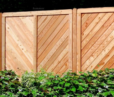 Fence Panel 524 - Larch, Planed, 18mm T and G Boards, 4x2 Frame