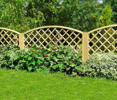 Fence Panel 631 - Planed Timber, 110x110mm Trellis, 2x2 Frame