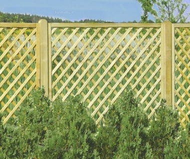 Fence Panel 634 - Planed Timber, 70x70mm Trellis, 2x2 Frame