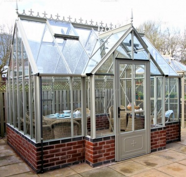 Dwarf Wall Aluminium Orangery 732 - Valley Roof, Box Section
